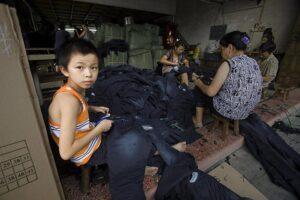sfruttamento minorile jeans