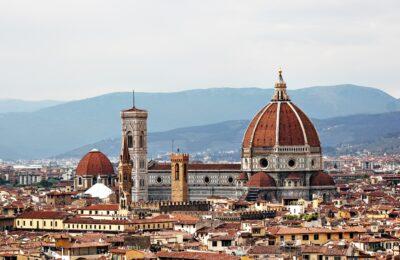 Moda sostenibile a Firenze: i migliori negozi eco, vintage e second-hand + una selezione dei mercati più belli!